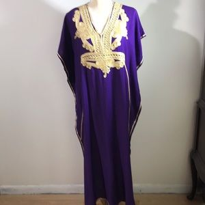 Other - Gorgeous Embroidered Cotton Kaftan